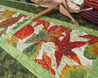 Quilted Fall Table Runner Quilt Autumn Leaves Green 499