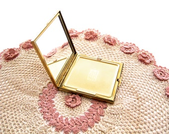 "Compact, 1940s Stratton ""Le Rage"", Original Box - Square Compact, Gold Colour, Brass, Vintage Made in England, Original Powder Puff, Unused"