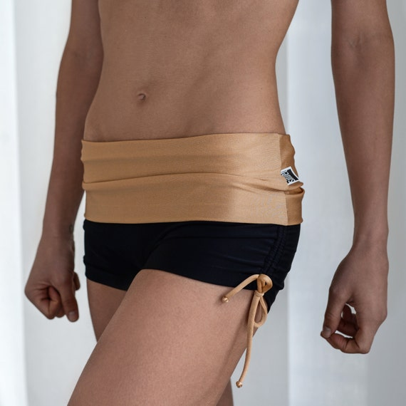 Shorts in black and ecru  for Bikram yoga