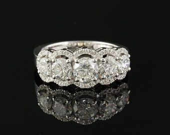 Extremely fine 2.60 Ct five stone diamond ring