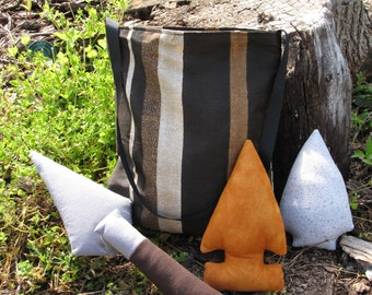 What's Your Specialty: Lithics with Brown Tote