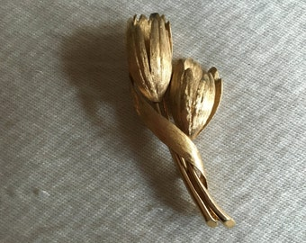 1950s MONET Tulip Bouquet Gold-tone Brooch - Mother of the Bride or Groom Gift