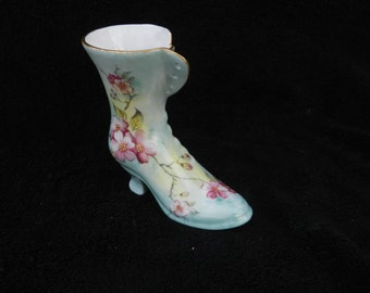Decorative Shoe: Hand decorated porcelain shoe