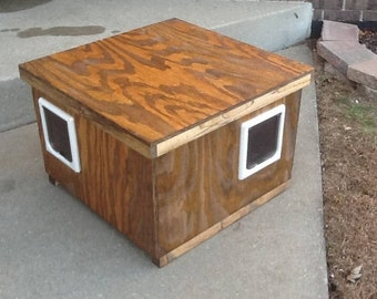 Wood Outdoor Heated 2 Door Cat House,