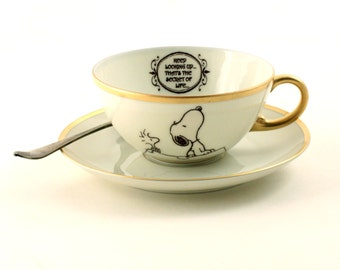 Snoopy Woodstock Peanuts Porcelain Cup Keep Looking Up Thats The Secret Altered Comic Charles M. Schulz Gold Rim Sugar White Brown Romantic