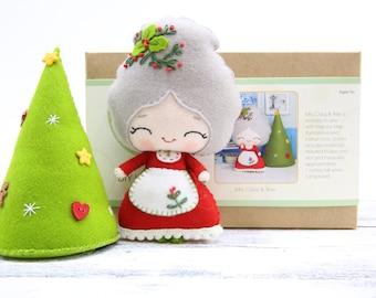 MRS. CLAUS & TREE Doll Kit // Wool Felt Doll Kit // Noialand Doll Kit // diy felt doll // Christmas Dolls // Mrs. Claus Doll
