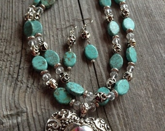 On Sale Chunky western rhinestone heart and turquoise magnesite necklace and earring set