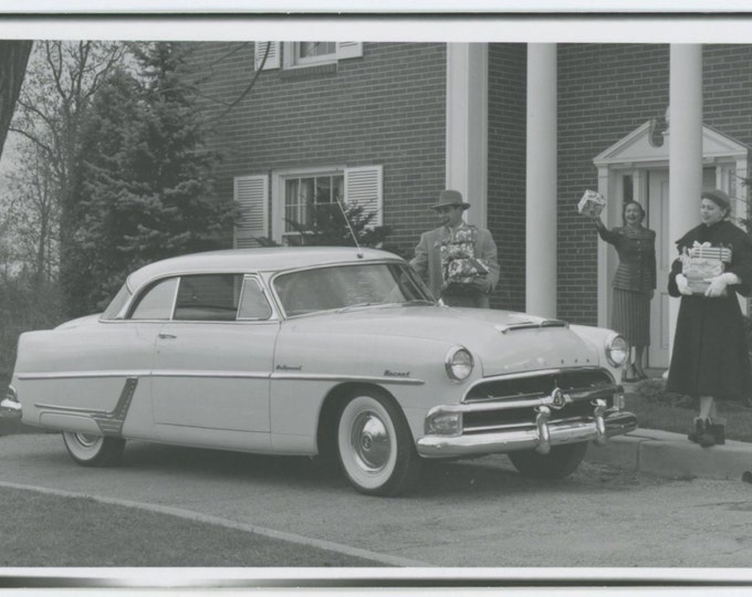 1954 Hudson Hornet Hollywood; Xmas Gift Exchange Factory Photo Postcard [65458]