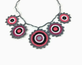 crochet necklace, statement necklace, crochet flower necklace, boho necklace, bohemian necklace, hippie jewelry, gypsy jewelry, textile art