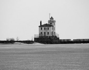 Mentor Headlands Lighthouse in Winter (FREE SHIPPING in the U.S. only)