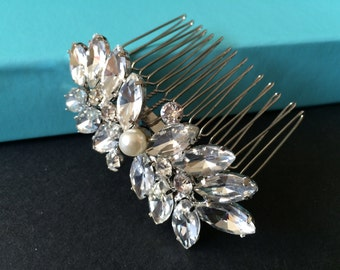 Wedding victorian pearl hair comb, Bridal hair comb, Barrette clip, Vintage brooch, Silver vintage style hair accessory