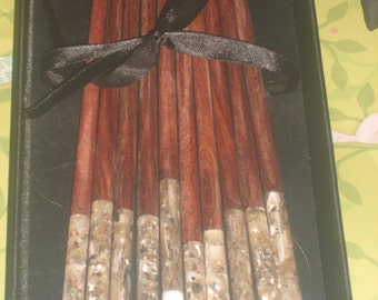 Vintage Inlaid Chopstick and Shell Rest Set