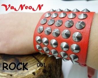 braccialetto in pelle borchiato MADE IN ITALY