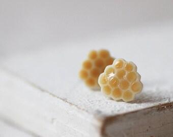 Honeycomb Stud Earrings - Small Ear Studs - Earrings Post - Food Jewelry - Vegan Earrings - Honey Jewelry