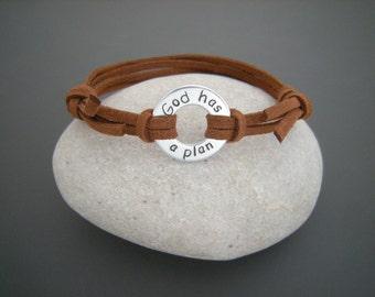 Gift for a Friend, God has a plan, Your text stamped on a Washer Bracelet, Stamped washer bracelet, Black faux suede cord bracelet