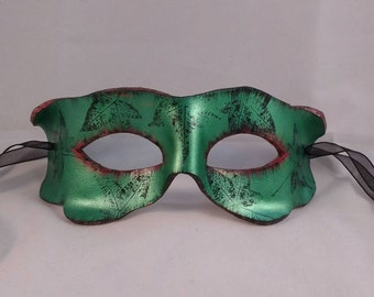Leather mask - nature spirit - poison ivy - toxic - greenman - costume mask - fancy dress - Ivy leaves - UK - comic villain - eye - woodland