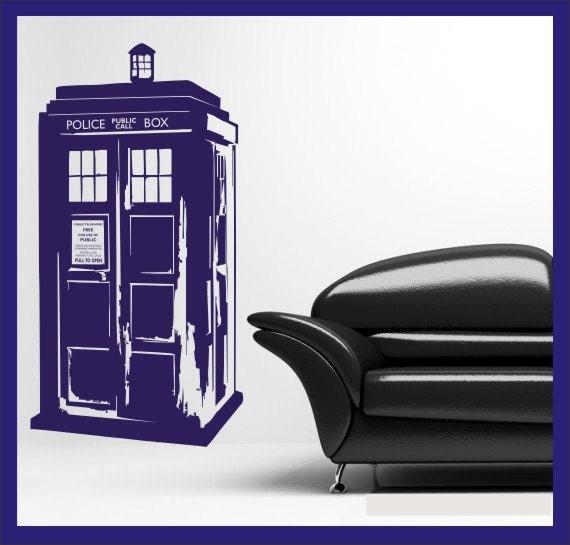 dr who 39 s tardis vinyl wall decal sticker. Black Bedroom Furniture Sets. Home Design Ideas