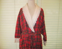 Red plaid flannel robe, vintage robe, winter robe, warm robe, medium, large, XL, made in USA, plus size