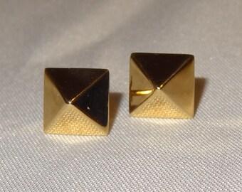 14k Yellow Gold Pyramid Post Earrings