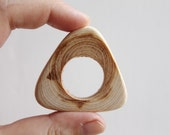 """Set of 3 juniper Pendant """"Triangle"""" with a big hole - Natural polished - eco friendly"""
