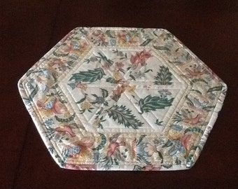 Floral Table Topper or Runner. - Cream and Pink