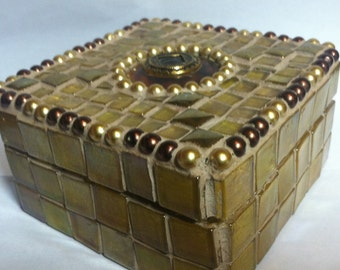 Art Deco mosaic jewelry box, made with iridescent golden glass tiles and glass pearls, one of a kind