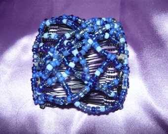 interlocking hair comb in blues