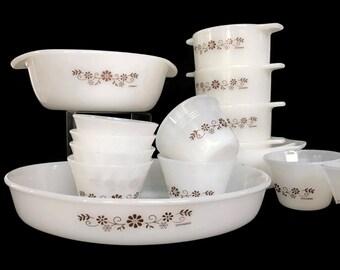Vintage Dynaware Baking Set White Milk Glass Brown Daisy Pyr-O-Rey 15 Piece Set Casseroles Custard Cups Bowls
