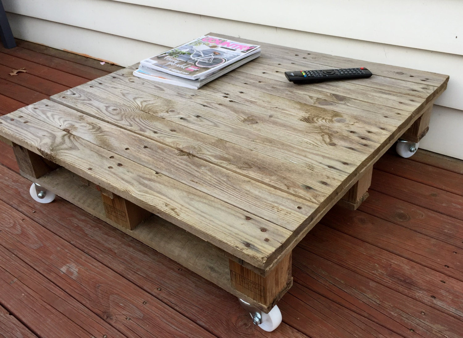 Rustic wooden pallet coffee table delivery not included pick for Coffee table delivery