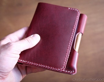 """Field Notes wallet with pen sleeve """"Park Sloper Senior"""" Horween Chromexcel leather - red / tan"""