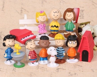 Peanuts CAKE TOPPER Charlie Brown Snoopy Woodstock Lucy Linus 12 Figure Set Birthday Party Cupcakes Mini Figurines * FAST Shipping *