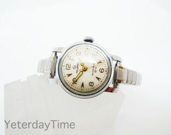 Helbros Invincible Women's Watch 1960's White Dial Swiss Made Manual 17 Jewel Movement