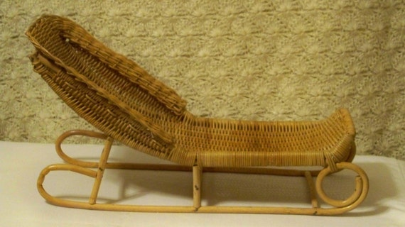 Vintage doll furniture wicker chaise lounge for dolls or for Antique wicker chaise lounge