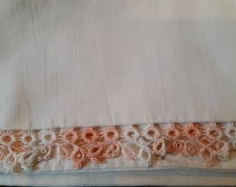 100% Cotton Standard Size Vintage Off White Pillow Case With Beautiful Variegated Pink Tatted Edging
