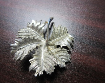 Costume Leaf Pin Brooch