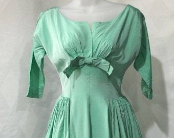 Vintage 1950s Frosted Mint Green Harry Keiser Fit and Flare Taffeta Prom Dress XS