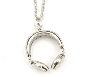Headphone necklace