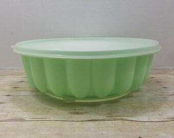 Tupperware Jello Mold, jade mint green, jello mold, gelatin, vintage tupperware