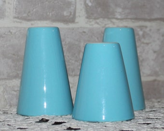 Blue mid century salt and pepper shakers, 50's 60's blue atomic style salt and pepper, Eames era, kitchen decor, set of 3