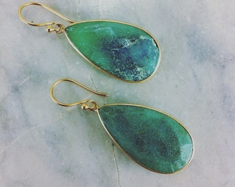 Aranyani Yoga Earrings - Gold Vermeil and chrysoprase - Opening the heart chakra, developing compassion, and connecting to Nature.