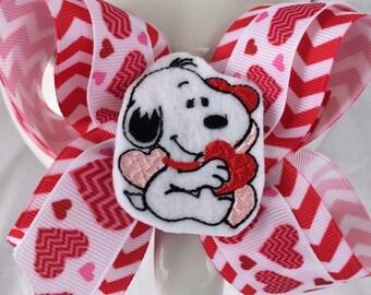 Valentine hair bow-valentine boutique bow-snoopy hair bow-heart hair bow-snoopy felty-valentine felty-snoopy hair bow-valentine snoopy-heart