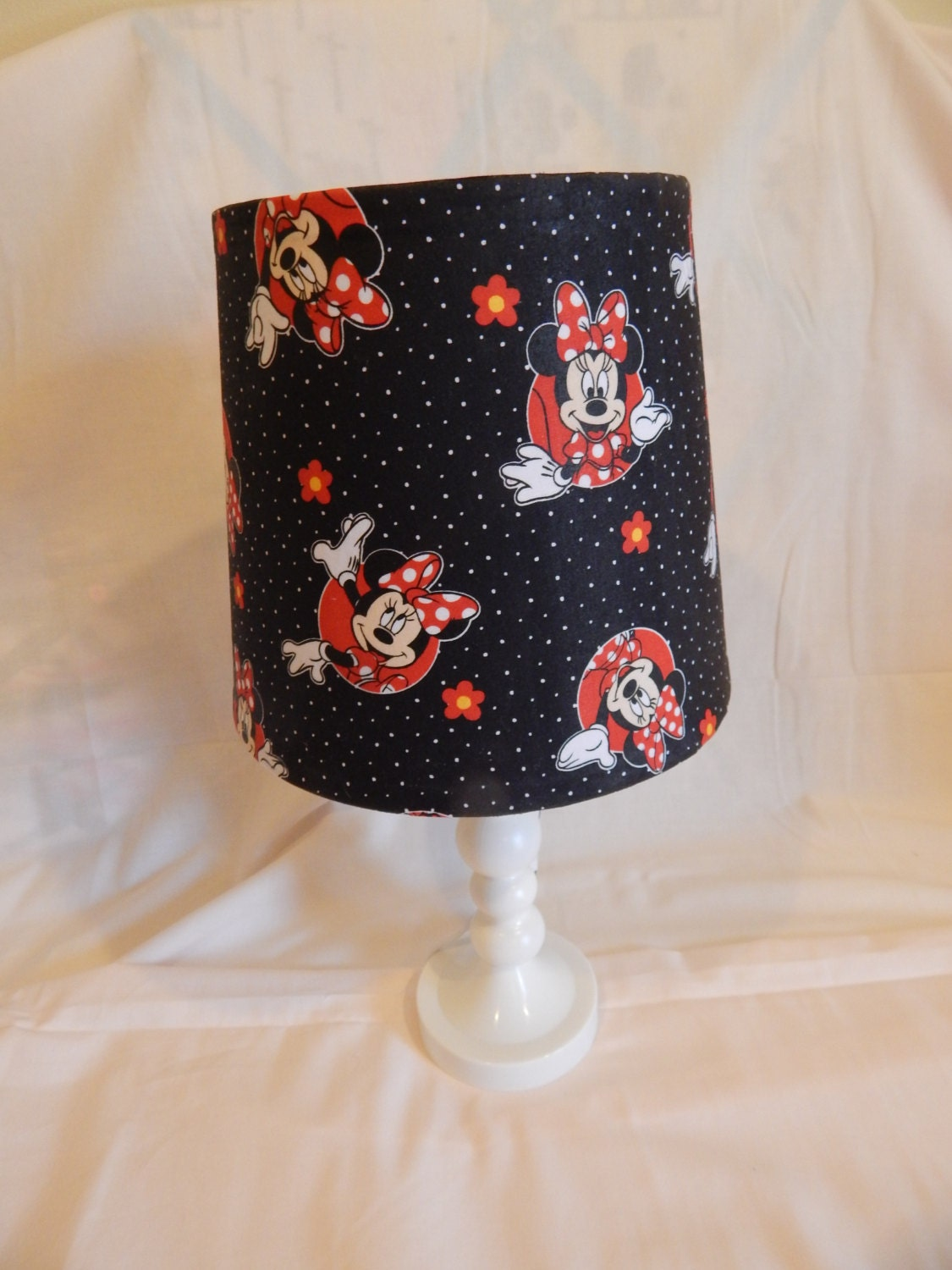 children lamp shade disney minnie mouse lamp shade children. Black Bedroom Furniture Sets. Home Design Ideas