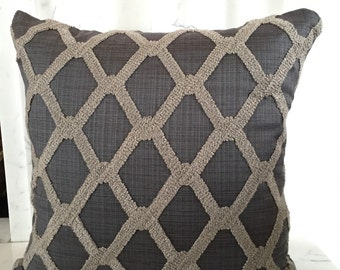 Chain Link Pillow Cover