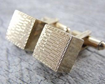 Vintage Gold Tone Square Cube Men's Cuff Links