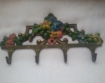 Hanger Vintage - retro style - bathroom-flowers- metal - painted