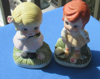 Vintage Wide Eyed Girl Ceramic Figurines Set Of Two