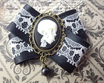 Mister Skull - black - bow brooch textile Gothic Steampunk