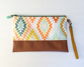 Large clutch with removable wristlet