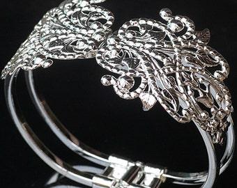 2 Brass Antique Bronze Silver Bracelets  AL05350