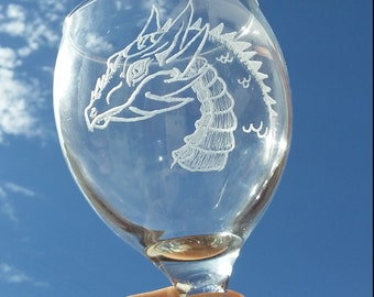 Dragon wine glass, Dragon Wine glasses, Khaleesi, Mother of dragons, Game of thrones Wine glass, Etched wine glass set of 2